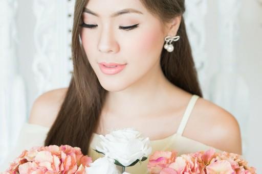 HOW TO แต่งหน้าไปงานแต่ง เข้าได้กับชุดทุกสี!
